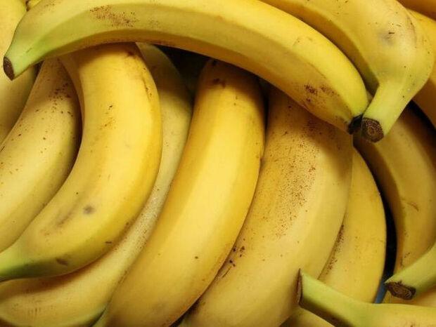 Τρόμος: Δείτε τι βρήκαν μέσα στις μπανάνες που αγόρασαν