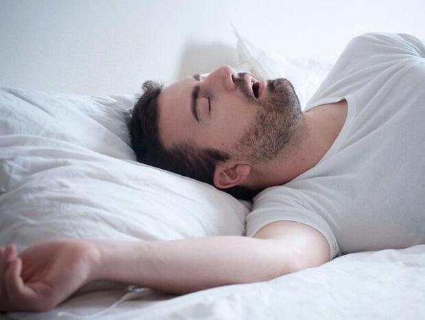 Ποιοι άντρες προτιμούν να κοιμούνται μόνοι τους;