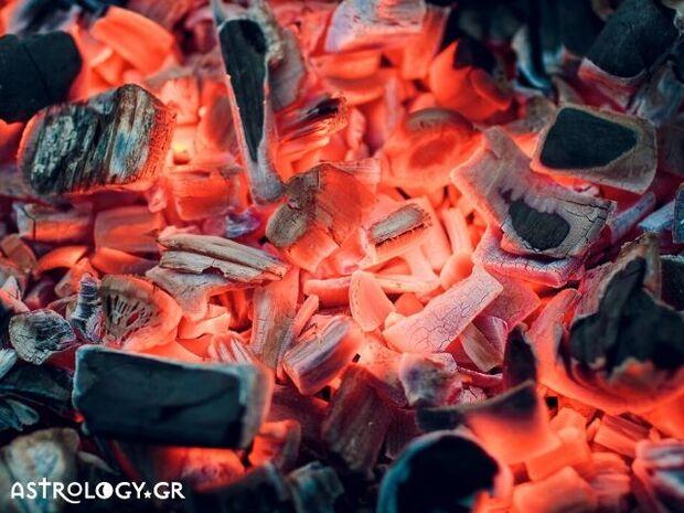 Ζώδια Σήμερα 11/07: Πιάνω φωτιά...