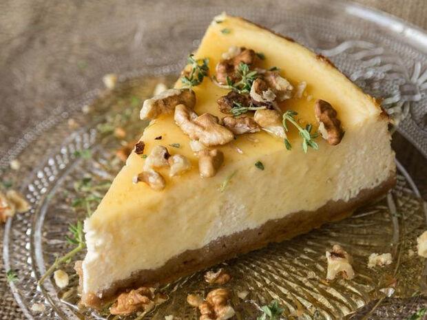Άκης Πετρετζίκης: Ελληνικό cheesecake με γιαούρτι