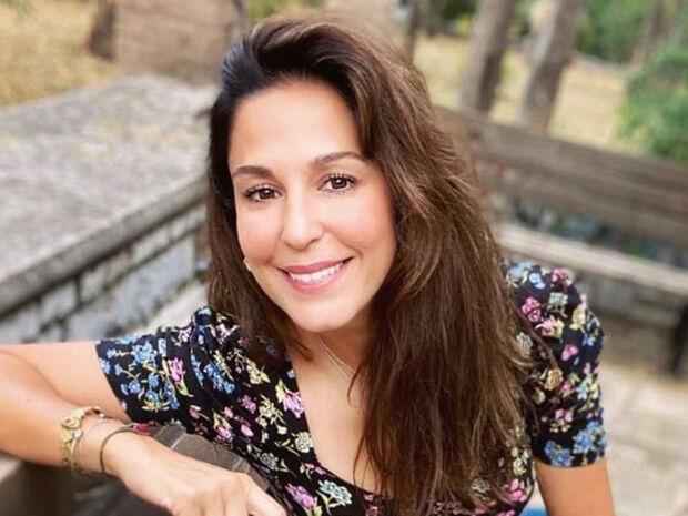 Κατερίνα Παπουτσάκη: Δείτε πώς φωτογράφισε τον γιο της στη θάλασσα