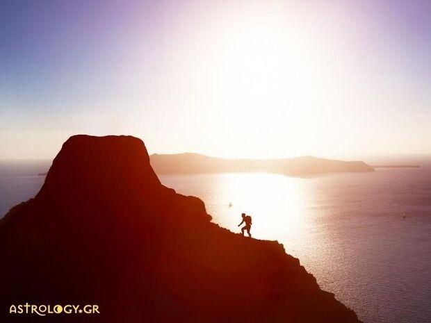 Ζώδια Σήμερα 28/08: Δεν έχει σημασία αν φτάσεις στην κορυφή, αλλά το πόσο θα μείνεις!