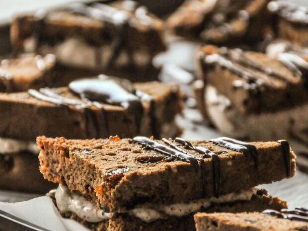 Άκης Πετρετζίκης: Σοκολατένια sandwiches