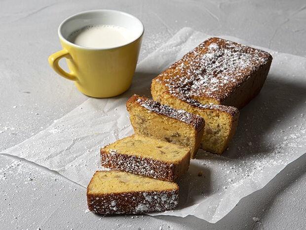 Άκης Πετρετζίκης: Κέικ με αχλάδι