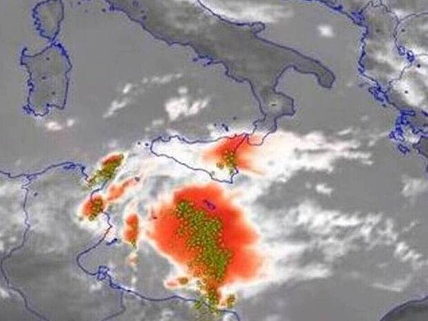 Θα «χτυπήσει» την Ελλάδα μεσογειακός κυκλώνας; Όλη η αλήθεια