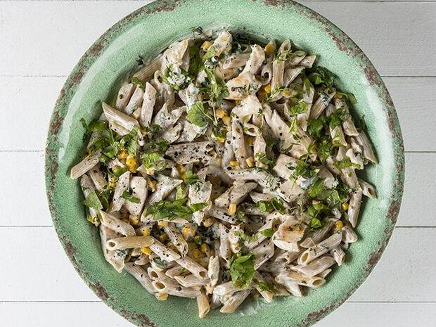 Άκης Πετρετζίκης : Healthy πένες με κοτόπουλο (High protein)