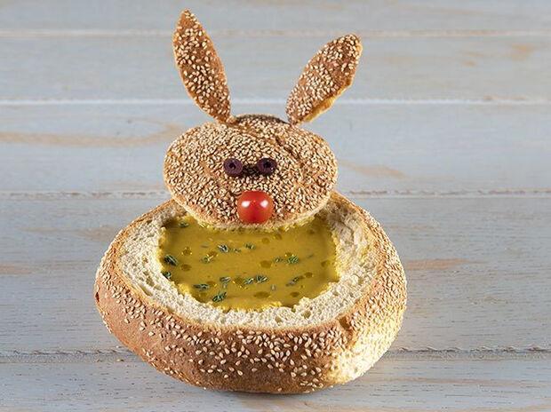 Συνταγή για παιδική σούπα λαχανικών από τον Άκη Πετρετζίκη