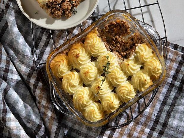Συνταγή για cottage pie από τον Άκη Πετρετζίκη