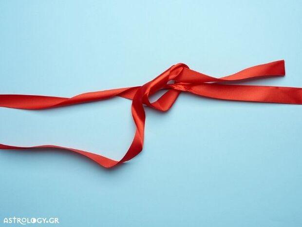 Ζώδια Σήμερα 03/11: Φύκια για μεταξωτές κορδέλες