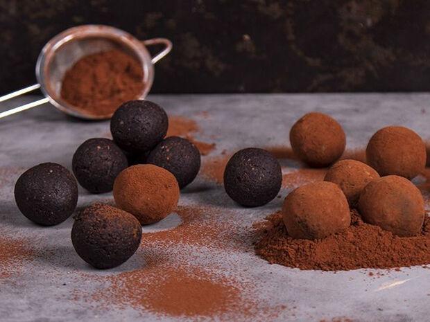 Συνταγή για ενεργειακές αρωματικές μπουκίτσες σοκολάτας από τον Άκη Πετρετζίκη