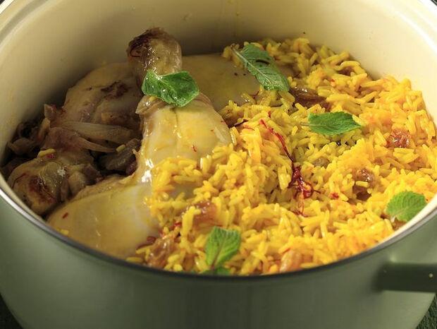 Συνταγή για κοτόπουλο μπιριάνι από τον Άκη Πετρετζίκη