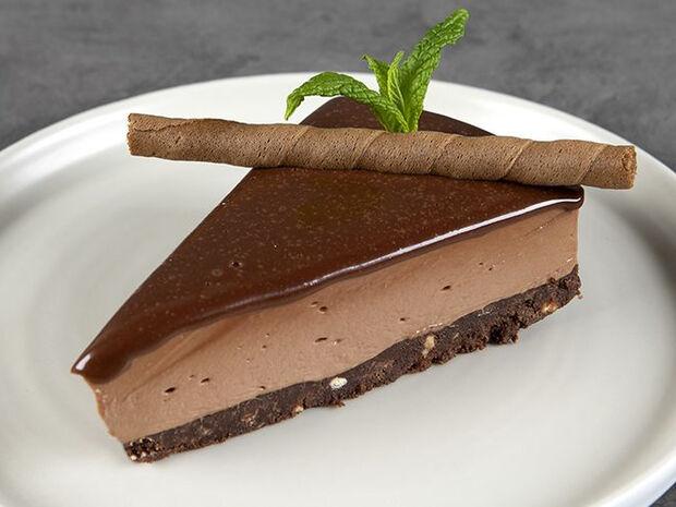 Συνταγή για cheesecake με πραλίνα σοκολάτας από τον Άκη Πετρετζίκη