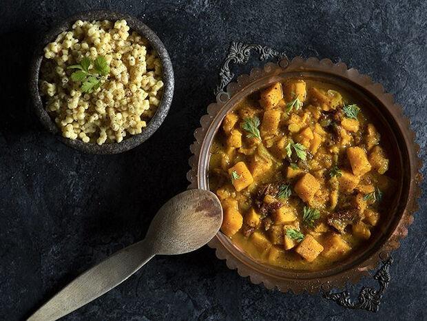 Συνταγή για σούπα με κάρι και γλυκοπατάτες από τον Άκη Πετρετζίκη