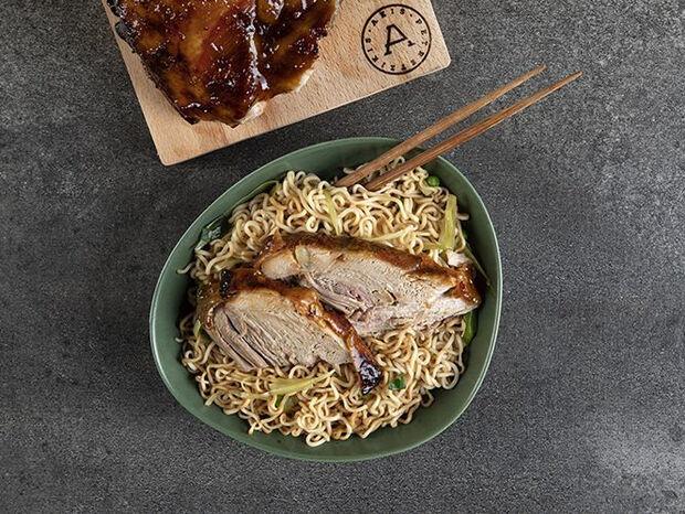 Συνταγή για Κορεάτικο χοιρινό από τον Άκη Πετρετζίκη