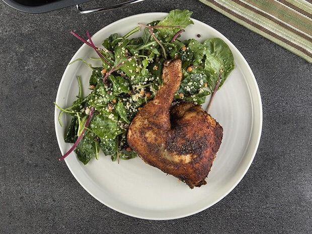 Συνταγή για πικάντικο κοτόπουλο από τον Άκη Πετρετζίκη