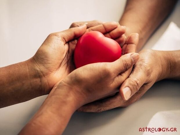 Ζώδια Σήμερα 01/12: Κρύα χέρια, ζεστή καρδιά!