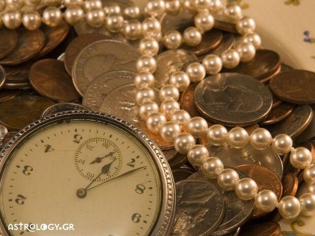 Ζώδια Σήμερα 04/12: Άσε τα παλιά στον... παλιατζή