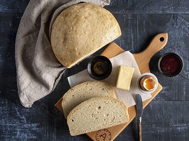 Συνταγή για ψωμί στη χύτρα ταχύτητας από τον Άκη Πετρετζίκη