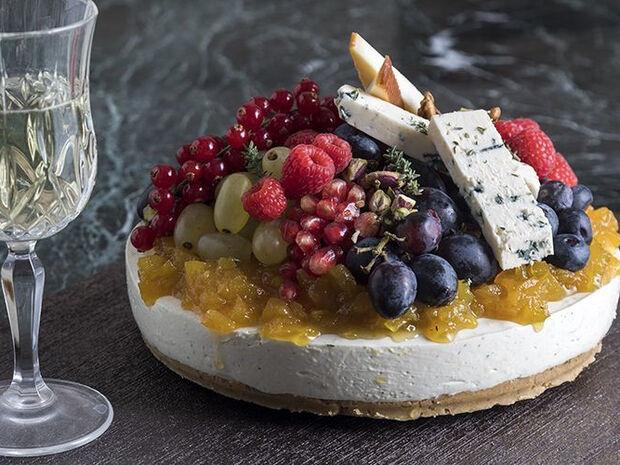 Συνταγή για αλμυρό cheesecake με chutney από τον Άκη Πετρετζίκη