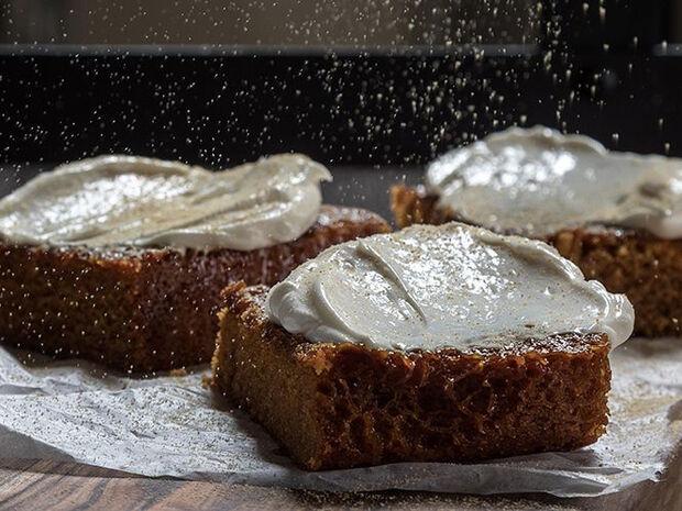 Συνταγή για gingerbread cake από τον Άκη Πετρετζίκη