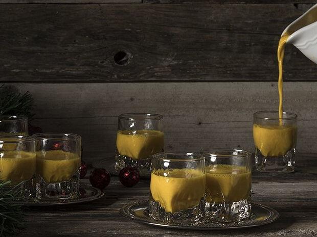 Συνταγή για Eggnog με σαφράν από τον Άκη Πετρετζίκη