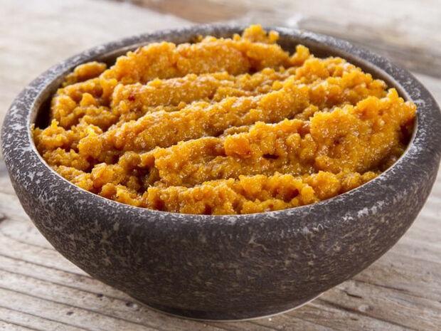Συνταγή για πικάντικο ντιπ με καρότο από τον Άκη Πετρετζίκη