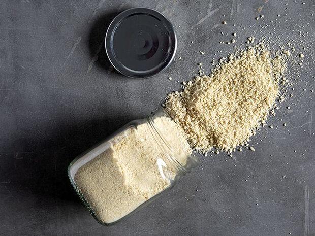 Συνταγή για vegan παρμεζάνα από τον Άκη Πετρετζίκη