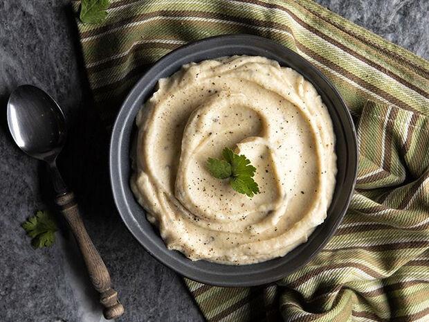 Συνταγή για πουρέ σελινόριζας από τον Άκη Πετρετζίκη
