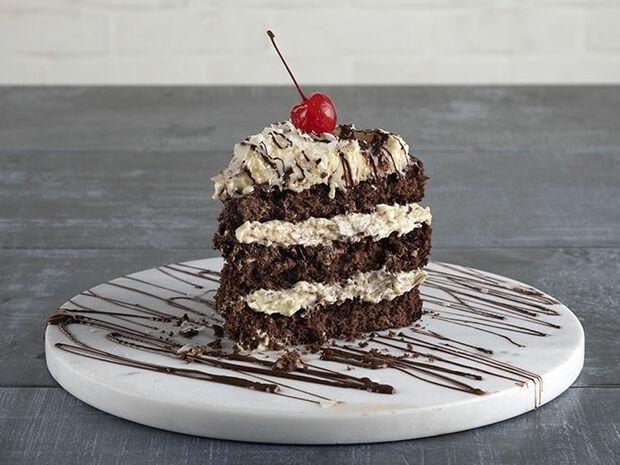 Συνταγή για τούρτα καρύδα σοκολάτα από τον Άκη Πετρετζίκη