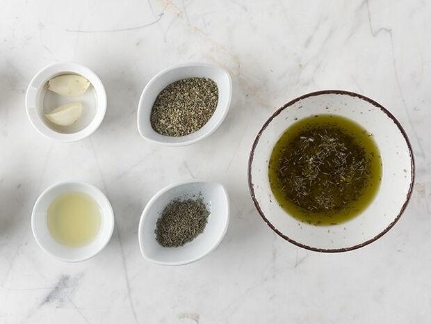 Συνταγή για Ελληνική μαρινάδα από τον Άκη Πετρετζίκη