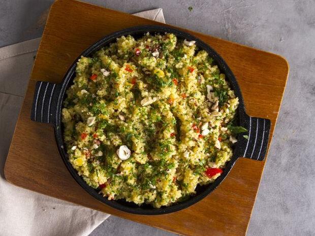 Συνταγή για κουσκούς με τζίντζερ και φουντούκια από τον Άκη Πετρετζίκη