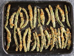 Συνταγή για ψητά φασολάκια πανέ από τον Άκη Πετρετζίκη