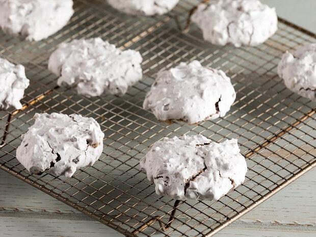 Συνταγή για εύκολα και γρήγορα μπισκότα από τον Άκη Πετρετζίκη