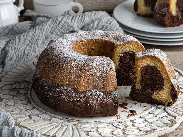 Συνταγή για κέικ βανίλια σοκολάτα από τον Άκη Πετρετζίκη