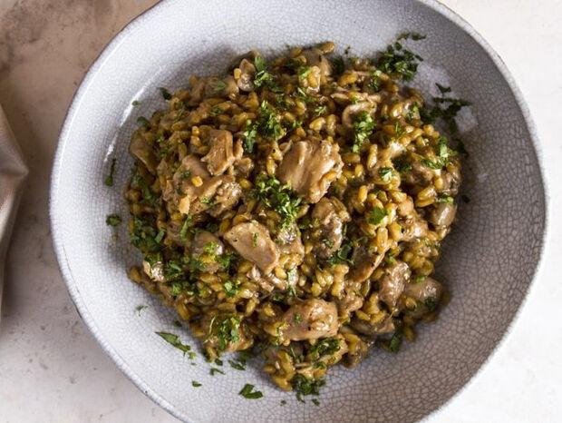 Συνταγή για σταρότο με κοτόπουλο και μανιτάρια από τον Άκη Πετρετζίκη
