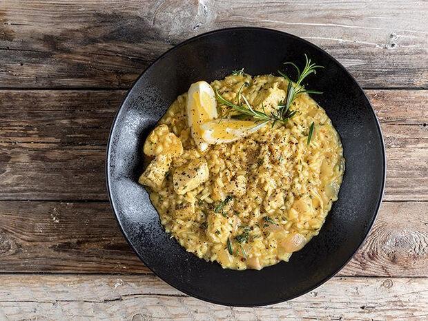 Συνταγή για ριζότο με κοτόπουλο από τον Άκη Πετρετζίκη