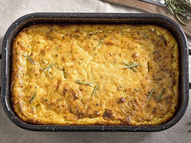 Συνταγή για τραχανόπιτα από τον Άκη Πετρετζίκη