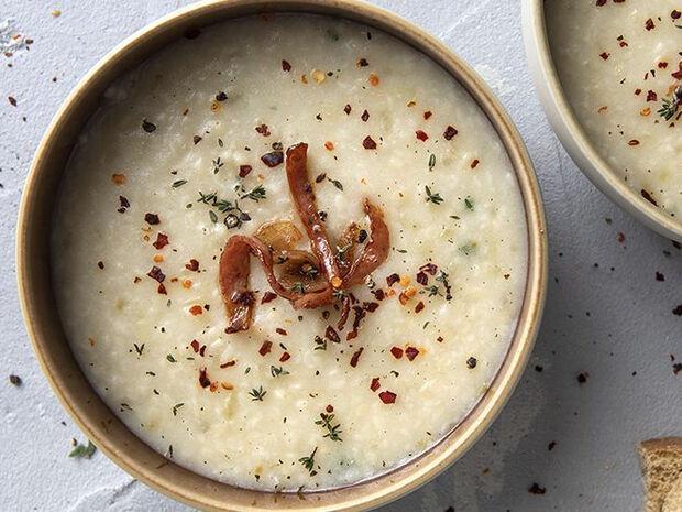 Συνταγή για τραχανόσουπα με σπιτικό τραχανά από τον Άκη Πετρετζίκη