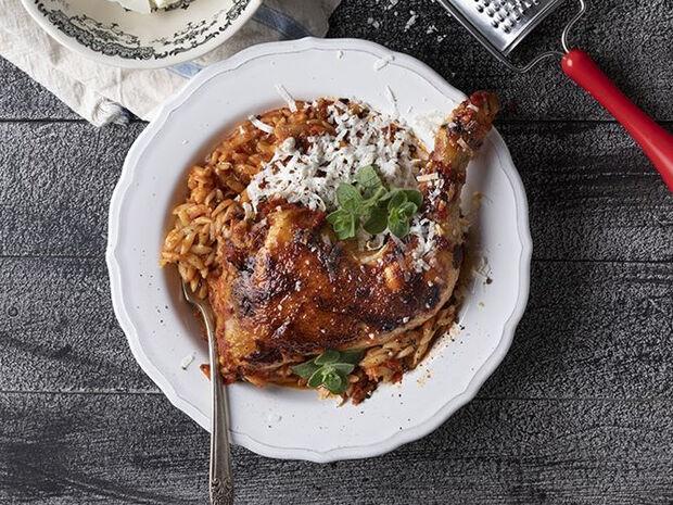 Συνταγή για γιουβέτσι κοτόπουλο από τον Άκη Πετρετζίκη