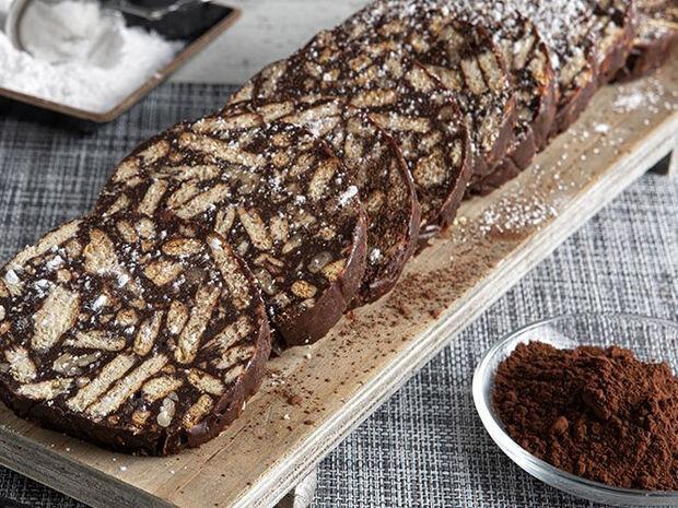 Συνταγή για κορμό σοκολάτας με ζαχαρούχο γάλα από τον Άκη Πετρετζίκη