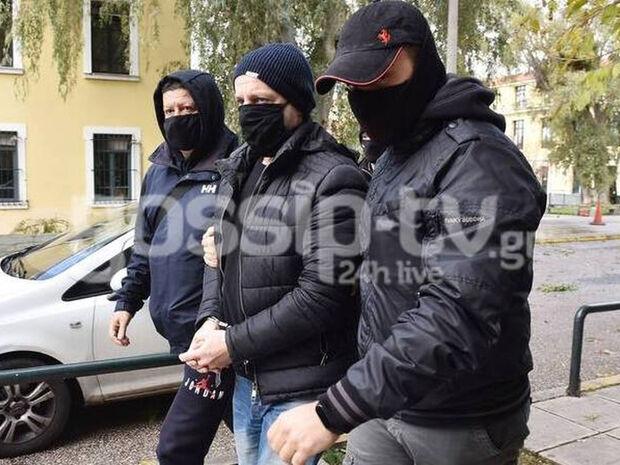 Δημήτρης Λιγνάδης: Μόνος του στο κελί με φρουρό στην πόρτα