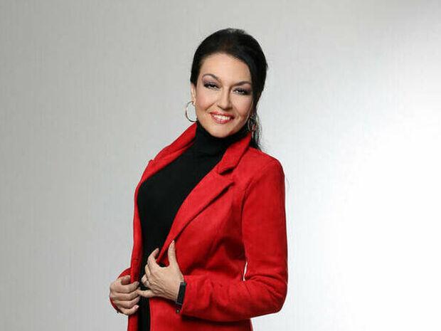 Η Φιλίνη στο gossip-tv: «Η αστυνομία ερευνούσε για τον Λιγνάδη και ξαφνικά σταμάτησε, γιατί;»