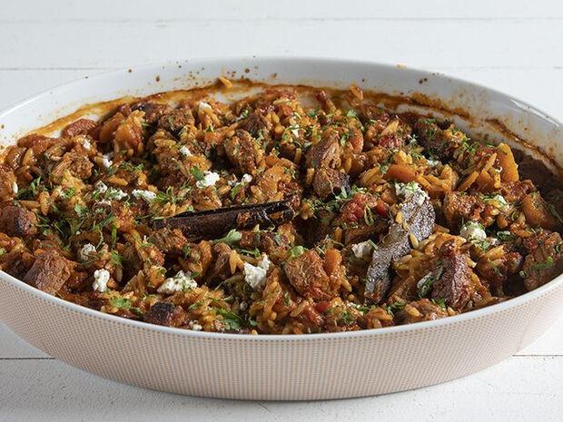 Συνταγή για γιουβέτσι μοσχάρι από τον Άκη Πετρετζίκη