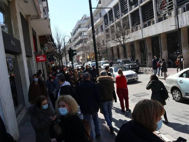 LIVE BLOG Σεισμός στην Ελασσόνα: Λεπτό προς λεπτό οι εξελίξεις μετά τα 6 Ρίχτερ