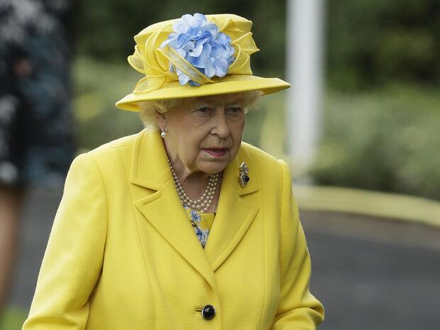 Αυτός είναι ο απίστευτος λόγος που η βασίλισσα Ελισάβετ προτιμά τα έντονα χρώματα