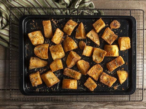 Συνταγή για Πατάτες ψητές στον φούρνο από τον Άκη Πετρετζίκη