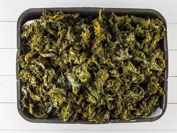 Συνταγή για Κέιλ τσιπς από τον Άκη Πετρετζίκη