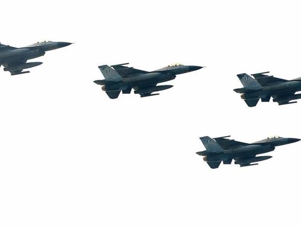 Θρίλερ με αεροσκάφος στο Αιγαίο: Υποψία για βόμβα - Απογειώθηκαν ελληνικά μαχητικά