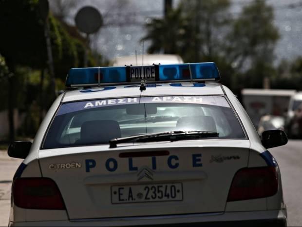 Ένωση αστυνομικών Νοτιοανατολικής Αττικής: Τραυματίστηκε αστυνομικός από έκρηξη σε περιπολικό!
