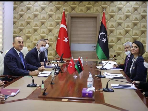 Στραπάτσο Τσαβούσογλου στη Λιβύη: Τι οδήγησε στο νέο διπλωματικό φιάσκο για την Τουρκία